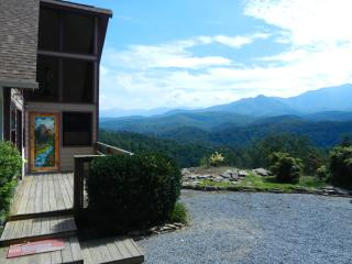 Awesome View, Quiet, Comfortable, Romantic, Gatlinburg