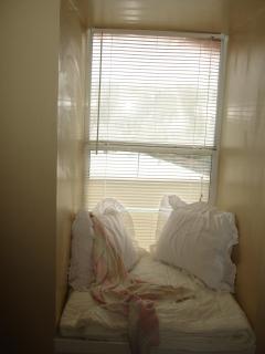 Reading nook in bunk bedroom