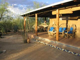 HACIENDA TUCSON - Adobe near Saguaro National Park West