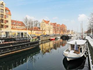 Copenhagen apartment overlooking Christianshavn Canal