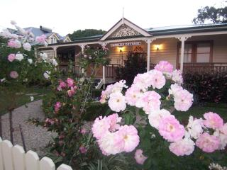 Reid's Place and Camellia Cottage, Redcliffe