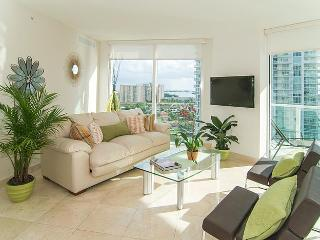 SUNNY ISLES SPECTACULAR BRAND NEW 5 STAR CONDOMINIUM!! LUXURY 3 BEDROOMS WATERFRONT !!, Sunny Isles Beach