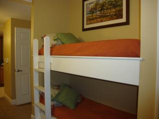 Hall 6 ft bunk beds