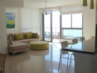 Nitza - Sea Opera - Beautiful 3 Bedroom Apartment with outdoor pool - NB01KP, Netanya