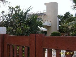 Unusual Private Two Bedroom Contemporary With Pool, Isla Mujeres