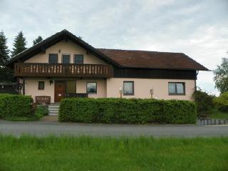 Vacation Apartment in Weissenstadt - 592 sqft, quiet, comfort, clean (# 3155)