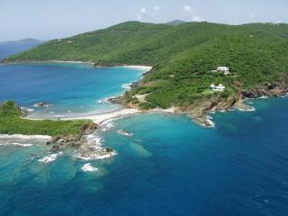 Spacious oceanfront villa, stunning views & beach, St. Thomas
