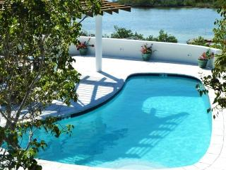 SERENITY POINTE  -DISCOUNTED SUMMER RATES!, Turks and Caicos
