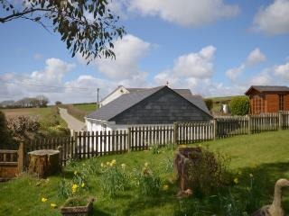 STNEO Cottage situated in St Neot (1ml E)