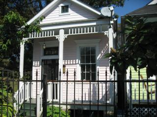 Charming three room house  near exciting Oak St., New Orleans