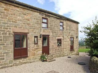 WIGWELL BARN all ground floor, on a working farm, beautiful views in Wirksworth Ref 18971