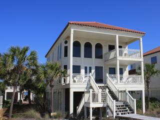Beachfront! 2 Story Great Room! Pool/Hot Tub/Bar!, St. George Island
