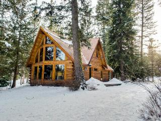 Private log cabin and up to 7 guests!, McCall