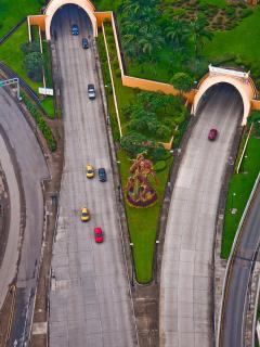 Guayaquil Tunnel San Eduardo.