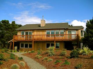 Dacha vacation rental, Bandon
