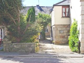 BEAU COTTAGE village centre, courtyard garden in Saint Columb Major Ref 29484, St Columb Major