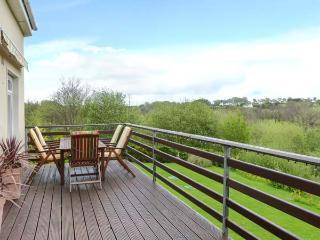 GREENANE HOUSE, detached, seven en-suites, WiFi, lawned garden, Ref 912445