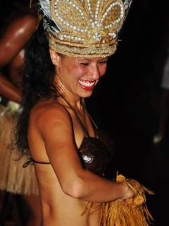 Beautiful dancing to see - Island night a must do!!
