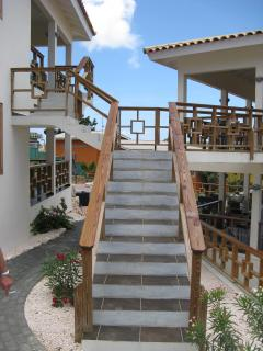Stairs to apartment B & D,  view from the front