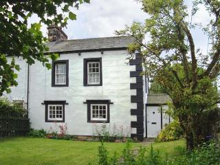 ORCHARD COTTAGE, 400 year old cottage, with woodburner, garden, pet welcome, in