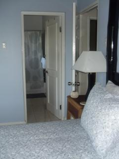 Full ensuite bathroom and walk in closet