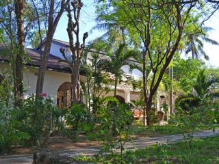 Arcadia - 4 Bedroom Villa with pool close to beach, Watamu