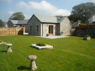 BODER Barn situated in Helston (2mls N)