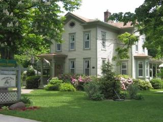 Carriage House Inn B&B, Sodus Point
