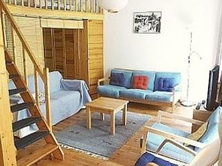 Vacation Apartment in Berlin - 560 sqft, central, quiet, classical (# 3188), Berlín