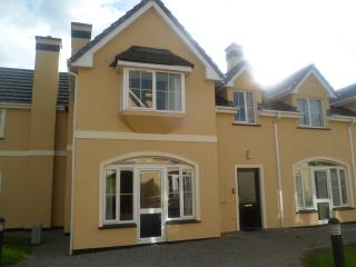 Killarney Holiday Home by Lakes and National park