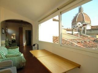 Vacation Rentals at Apartment Duomo, Florencia