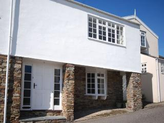 THMAL Cottage situated in Appledore