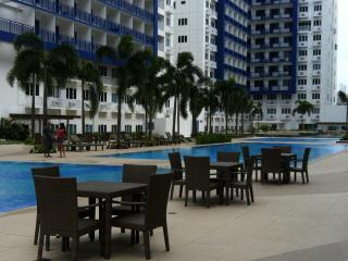 2 BR FULLY FURNISHED CONDO UNIT SEA RESIDENCE MOA, Manila