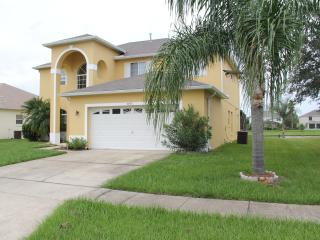 Magnolia Villa with a Pool, Kissimmee