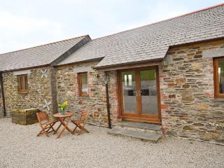 OVERH Barn situated in Polperro (1ml E)