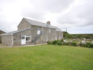 HOLBA Barn situated in Sennen (4mls E)