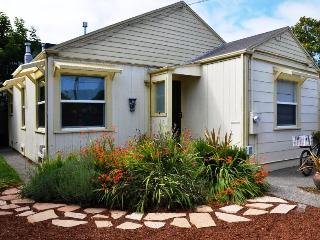 Sweet Home Stay Pet-Friendly 2 BD Near Plaza & HSU, Arcata