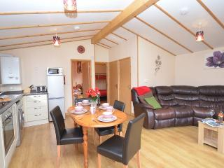 GILLO Log Cabin situated in Porthtowan (3mls SE)