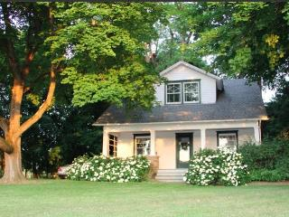 Near Rhinebeck and BARD - a Modern Country Classic, Clermont