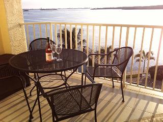 The best guest rated condos at Madeira Beach area!