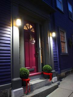 Front door, evening at the historic Thomas Osgood House, built in 1799