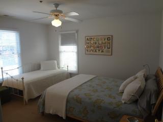 Queen and twin guest bedroom