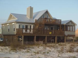 3 Bedroom 2 Bath Luxury Beach Front Home, Gulf Shores