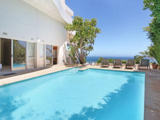 Camps Bay Luxury 6 BR Villa Sea Views & Affordable