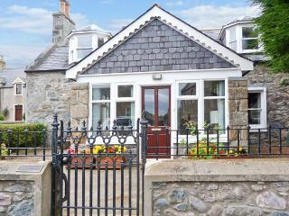 GILLIEBANK near cycle routes, sun room, front and rear gardens, in Portsoy, Ref