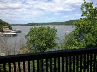 2 bedroom, Town home, dock with boat slip