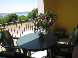 RENTAL KLINKERT IN CRIKVENICA/ DRAMALJ, QUARNER REGION IN CROATIA