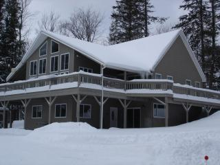 New Beautiful Killington 7 Bedroom 6.5 Bath Home, Mendon