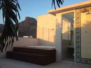 Luxury Penthouse best place 300m from Barra beach, Río de Janeiro
