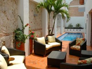 Incredible 6 Bedroom Hideaway in Old Town, Cartagena